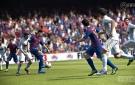 FIFA 13 Fabregas passes the ball