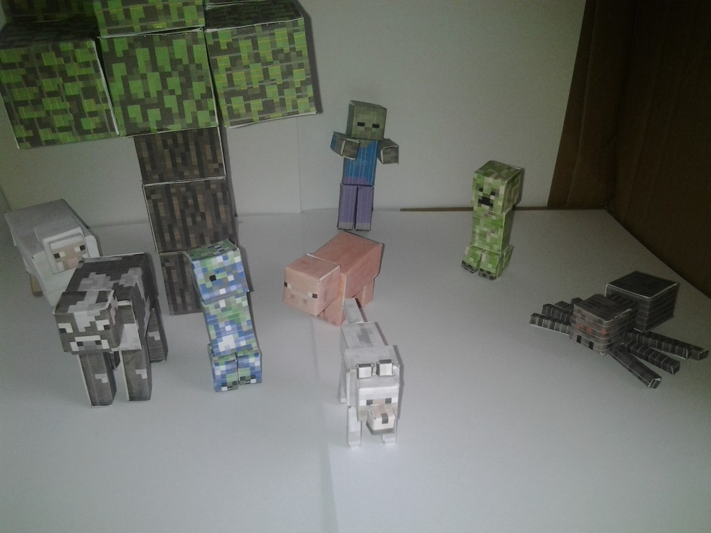 minecraft papercraft scene  creeper and charged creeper added